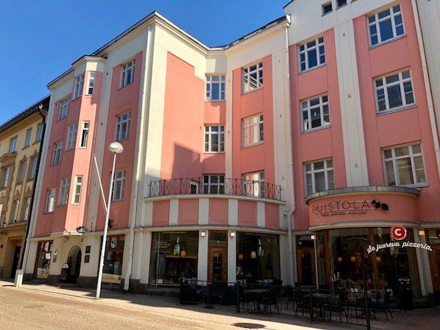 """Oulun toimiston johtaja Tanja Suomalainen: """"Organisaatioiden kehittäminen on aina kiinnostanut minua."""""""